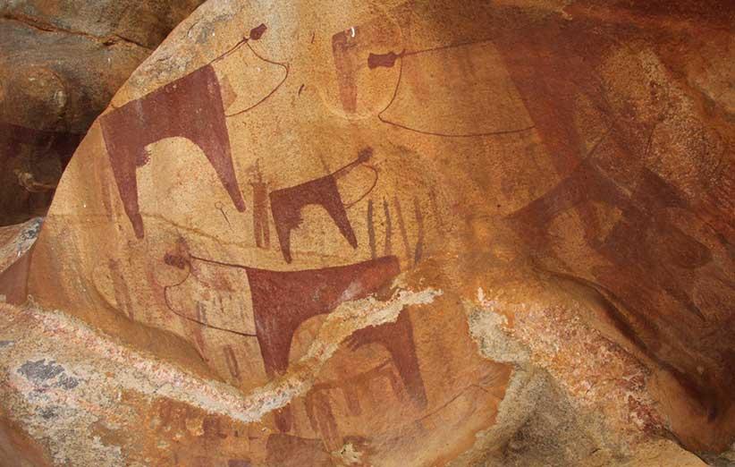 تصویر نقاشیهای درون قار