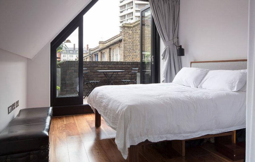 تصویر فریم تخت خواب در دیزاین اتاق خواب کوچک