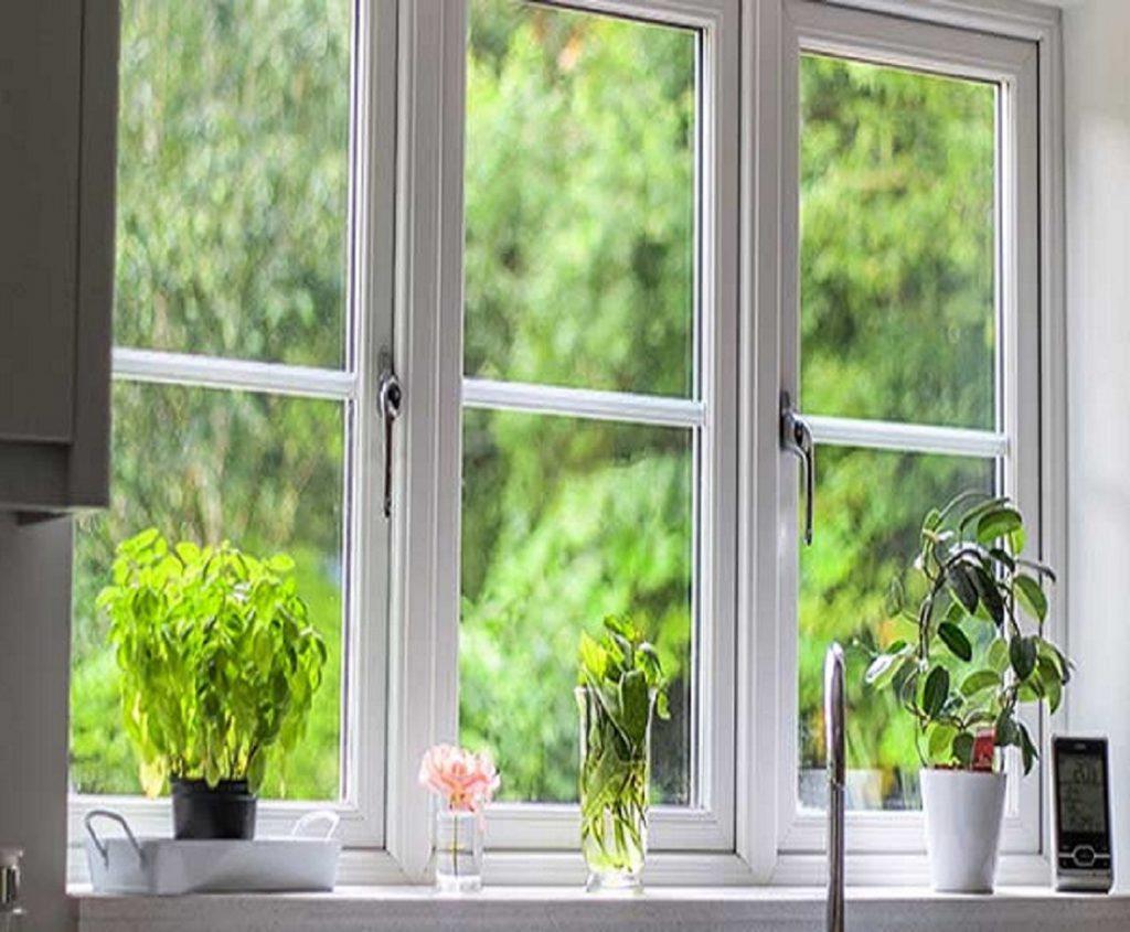 پنجره تمیز بهاری